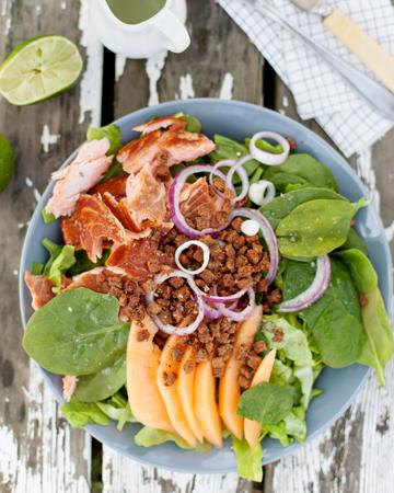Savukala-härkäpapusalaatti