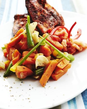 Grillikalaa, chilikatkaravut ja wokatut Maalaiskasvikset