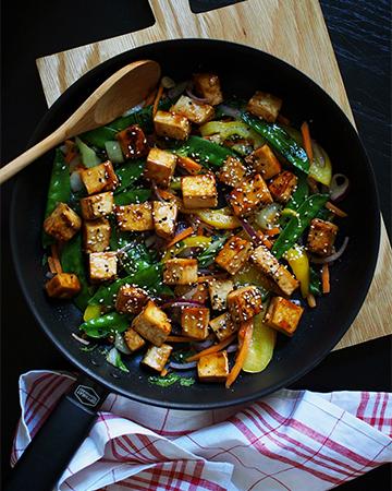 Kolmen raaka-aineen Thai wok