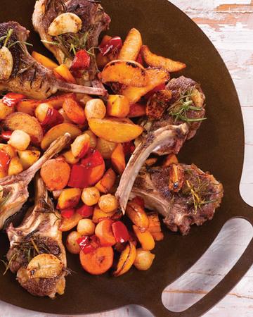 Muurikka-kasvikset BBQ ja lampaankyljyksiä